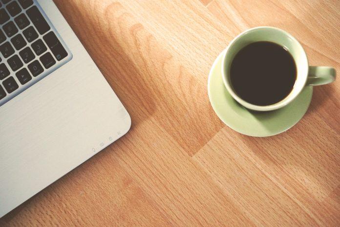 Jak wytrzymać w pracy bez kawy?
