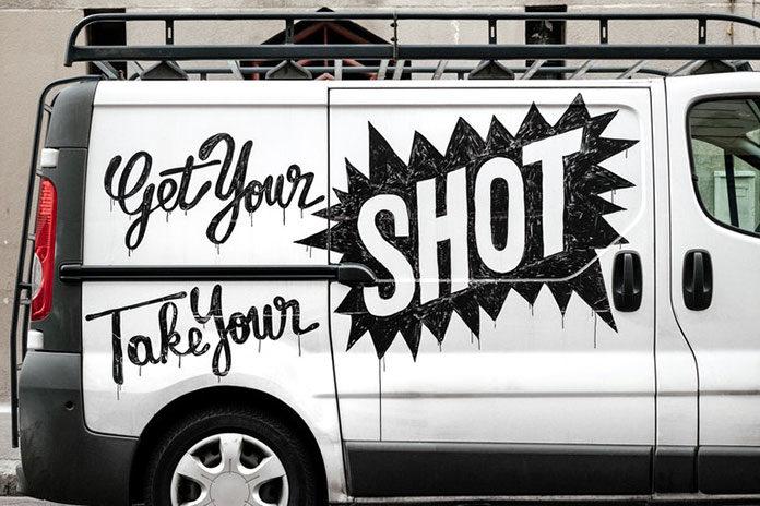 Naklejki reklamowe na samochód firmowy – dlaczego warto?