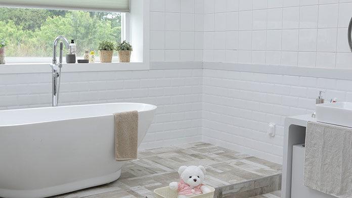 Czego należy się wystrzegać podczas urządzania łazienki?