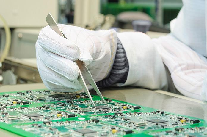 Czym są technologie montażu powierzchniowego SMT?