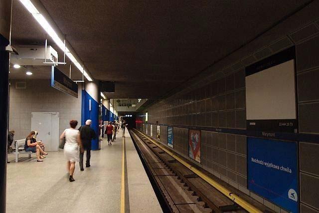Dlaczego warto reklamować się w metrze?