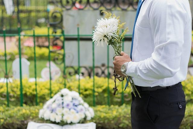 Jaki ubiór na pogrzeb bliskiej osoby?