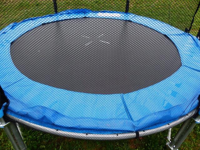 jaką trampolinę ogrodową wybrać?