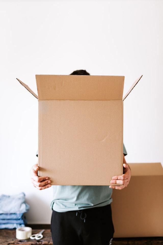 Szukasz firmy kurierskiej, która dostarcza paczki zawsze na czas